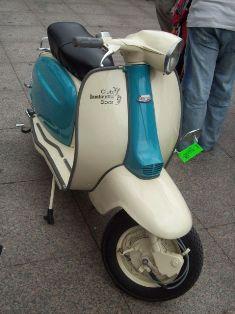 20110917104017-una-lambretta-jul08-dm-640x640x80.jpg